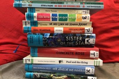 In der Mediothek warten neue Bücher auf euch!